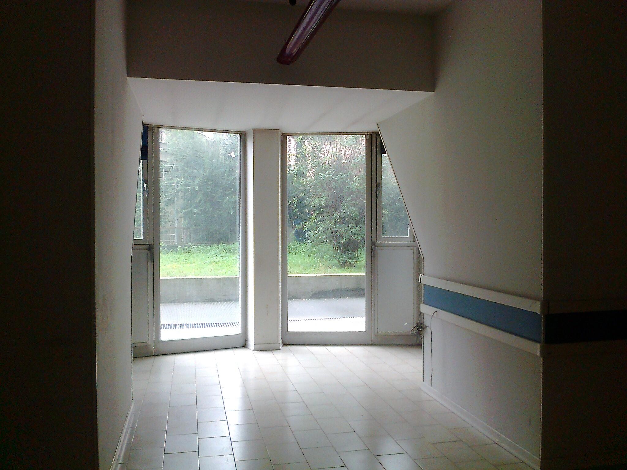 V-00963 – Centrale: ufficio al p.terra con ingr. indipendente