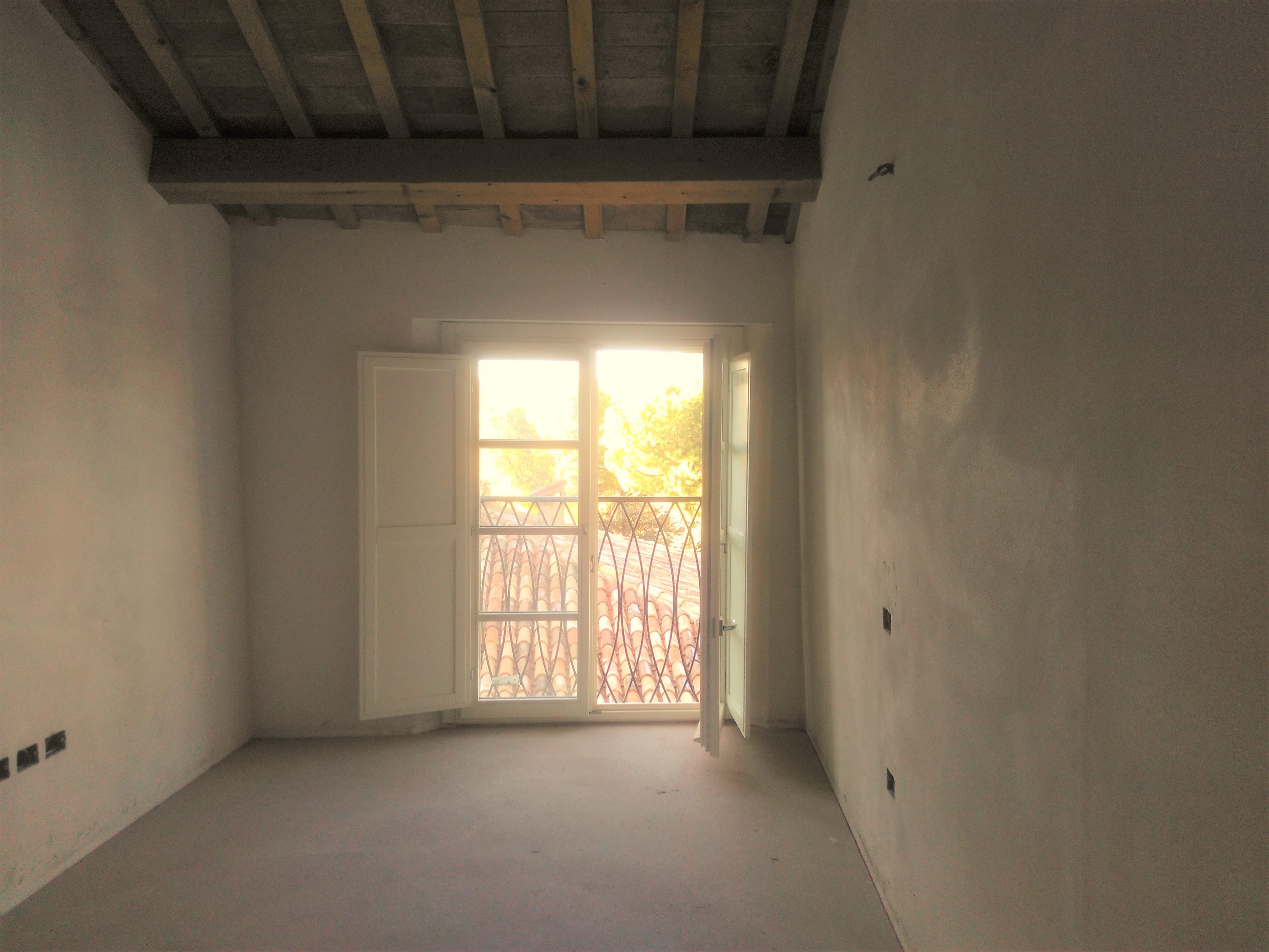V-00976 Centro Storico: Appartamento ristrutturato 2 letto al 1° piano