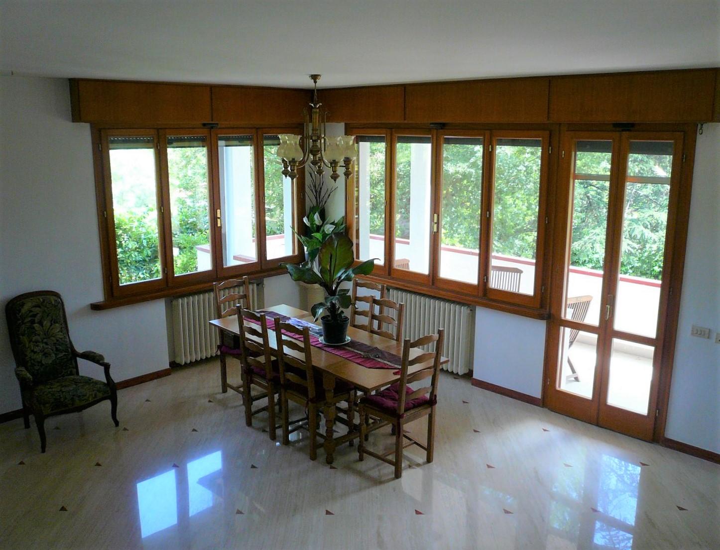 V-00980 Bivio Montegelli: Villa con ampio giardino di circa 1200 mq