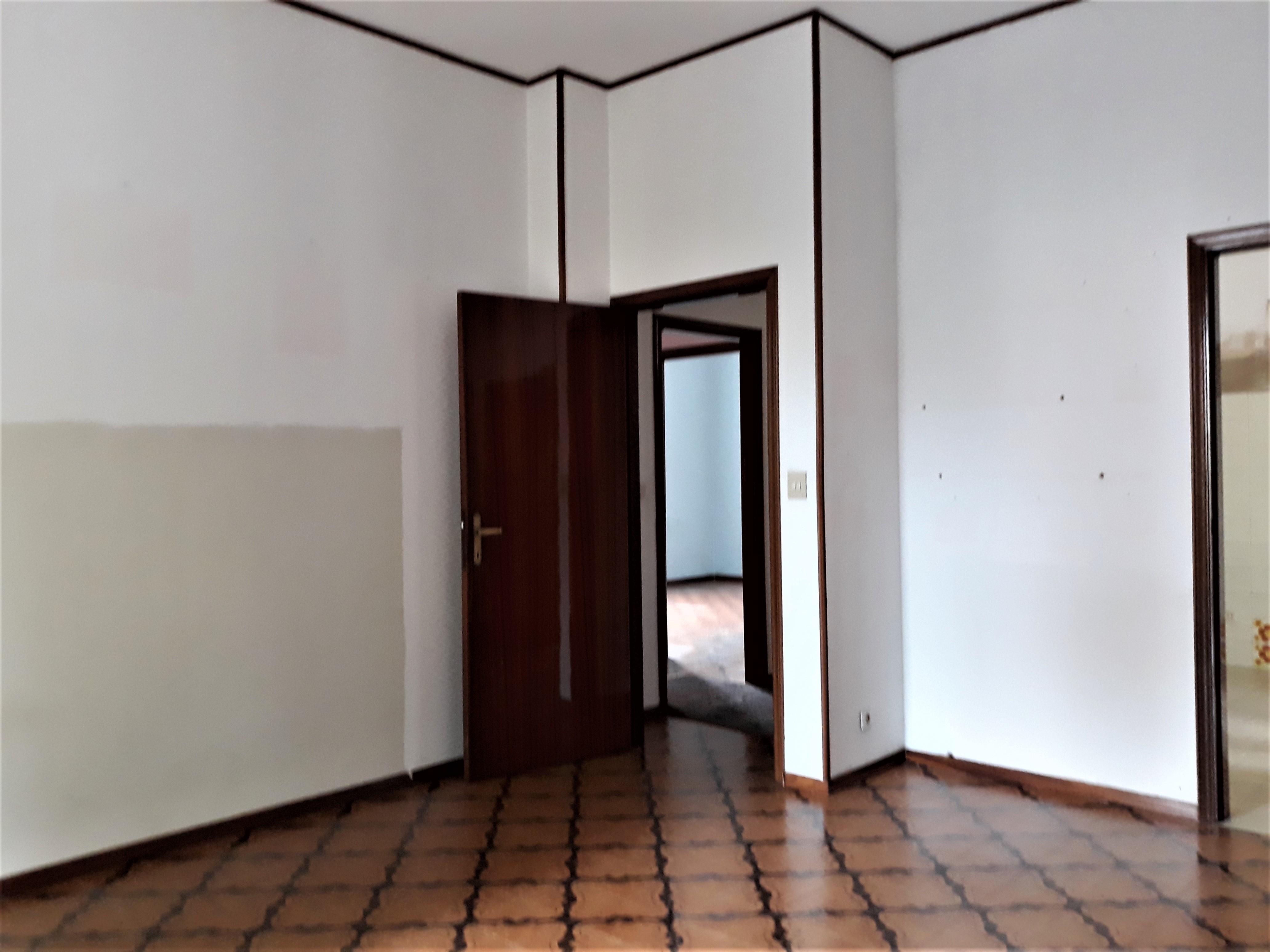 V-1081 – S. Mauro in Valle: appartamento 2 c.letto con garage