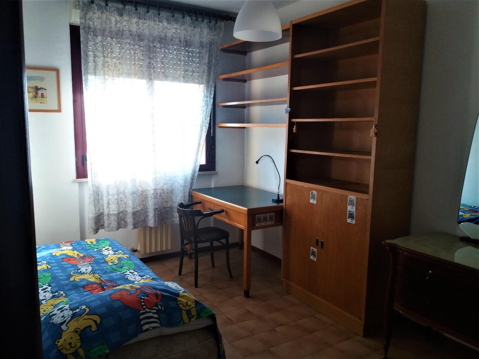 A-1086 Forlì: Appartamento con Stanze per STUDENTI